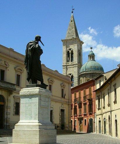 statua-ovidio-sulmona